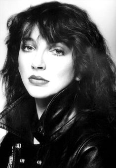 Kate Bush by Brian Aris 1979 Rock Chic, Glam Rock, Music Icon, Her Music, Hounds Of Love, Uk Singles Chart, Female Singers, Celebs, Celebrities