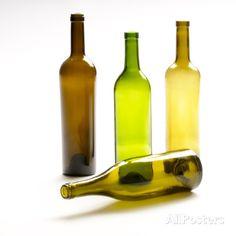 bottiglie vino vuote | Four Empty Glass Wine Bottles on White Background…