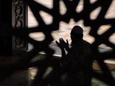 Muslim Prayer, Bangkok Thailand — Fotopedia