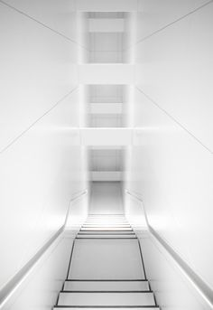 :: STAIRS :: adore the recessed handrail detail #stairs