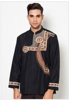 Seolah tak ingin kalah saingan dengan model busana muslim wanita, busana pria ini banyak dieksprolasi untuk dipadukan dengan berbagai macam jenis kain. Model-modelnya pun semakin beragam.