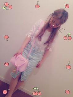 平松可奈子スカート「Lily Brown ギンガムタイトスカート」Styling looks