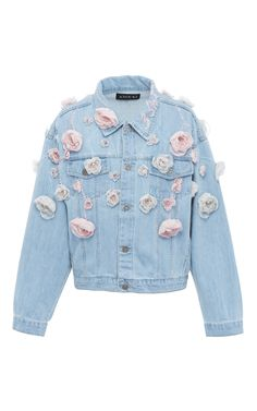 This Anouki Floral Denim Jacket features a classic design with allover floral appliqué detail. Floral Jeans, Floral Jacket, Printed Bomber Jacket, Print Jacket, Look Jean, Do It Yourself Fashion, Denim Ideas, Printed Denim, Denim Outfit