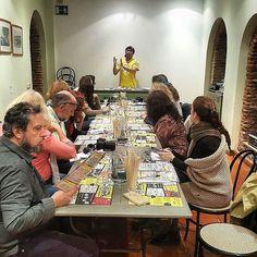 Keigo explicando los secretos del Ramen de #ramenkagura en la jornada de bloggers de @alambiquemadrid. @caminarsingluten @majadahondaaldia @hoypormadrid @conmuchagula @lacajitadenievesyelena @soeasytocook @acibecheria @recetasdeescandalo @piedra_papel_o_azucar