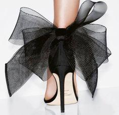 𝓑𝓵𝓪𝓬𝓴 𝓡𝓲𝓫𝓫𝓸𝓷 𝓢𝓱𝓸𝓮𝓼 𝓕𝓸𝓻 𝓼𝓹𝓮𝓬𝓲𝓪𝓵 𝓭𝓪𝔂 𝓑𝔂 𝓙𝓲𝓶𝓶𝔂 𝓬𝓱𝓸𝓸 Shoe boots Foto Fashion, Fashion Shoes, Pink Fashion, Fashion Jewelry, Fashion Wallpaper, Bow Sandals, Fashion Wall Art, Shoe Art, Beautiful Shoes