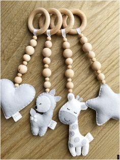 Wooden Play gym toys - Wooden Play gym toys – Pip'n'Lil Imágenes efectivas que le proporcionamos sobre diy clothes U - Vintage Baby Toys, Wooden Baby Toys, Handgemachtes Baby, Felt Baby, Baby Ruth, Baby Crib, Baby Girls, Baby Toy Storage, Best Baby Toys