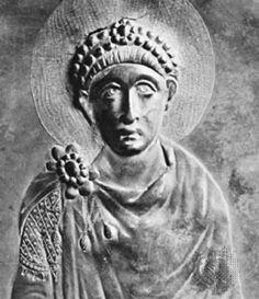 KEISARI THEODOSIUS SUURI ✦ v. 392. Teki kristinuskosta ainoan sallitun uskonnon. Kristityille tietysti hyvä, sekä monien kansojen valtakunnalle hyvä yhteinen perusta, mutta kirkko menetti vapauttaan keisarille ja kirkon johtopaikkoja haluttiin muustakin kuin uskonnollisista syistä.