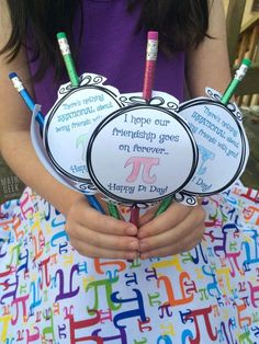 Looking for a fun and simple Pi Day Activity for kids of all ages? Celebrate an excitement for math with this Pi Day Craft for kids! It's super simple, and kids can then share the number pi and discuss math concepts with their friends. While eating pie, of course. ;)