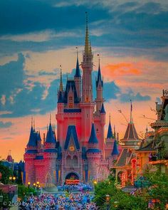 Cinderella's Castle in the Magic Kingdom, Walt Disney World Resort. Walt Disney, Disney Pixar, Disney Love, Disney Magic, Disney Parks, Disney Vacations, Disney Trips, Disney Travel, Chateau Disney