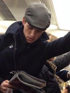 eddie redmayne on tube - Hledat Googlem