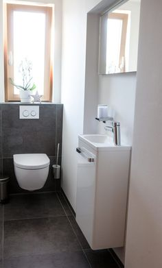 Restore guest toilet: 6 tips for a barrier-free WC - Fliesen Gäste-WC - Small Toilet Room, Guest Toilet, Downstairs Toilet, Small Bathroom, Funny Bathroom, Bathroom Wall, Bathroom Ideas, Toilet Tiles, Toilet Sink