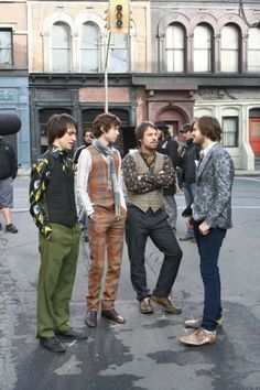 I love what Spencer's wearing, at nine in the afternoon ;-)