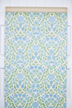 retro blue floral wallpaper available by the yard in our Retro Wallpaper Etsy store #vintagewallpaper #retrowallpaper