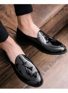 oxford mens patent leather slip on loafers pointy toe dress formal flats shoes Black Leather Shoes, Leather Slip Ons, Leather Men, Black Shoes, Patent Leather, Leather Wallet, Lace Up Combat Boots, Fashion Boots, Man Fashion