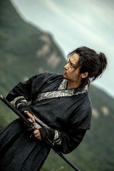 Byun Yo Han - Byun Yo Han reveals bodyguard warrior look for 'Six Flying Dragons'
