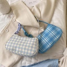 Trendy Purses, Cute Purses, Purses And Bags, Fashion Handbags, Fashion Bags, Aesthetic Bags, All Nike Shoes, Sacs Design, Cute Handbags