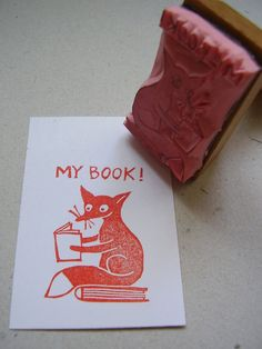 A happy stamp for your personal library. The reading fox takes care of your book to show everyone who is the owner. I designed it and carved the stamp by