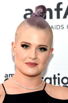 Kelly Osbourne Hair Knot - Kelly Osbourne looked bold with her knotted mohawk at the amfAR generationCure Solstice 2016.