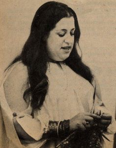 Knitting With Sandra Singh: Famous People who Knit (Mama Cass Elliott!)