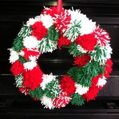 old fashioned Christmas Pom-Pom wreath. So easy! My three little elves loved helping me with this! Mesh Christmas Tree, Christmas Pom Pom, Christmas Leaves, Crochet Christmas Wreath, Christmas Ornament Wreath, Wooden Christmas Ornaments, Burlap Christmas, Christmas Crafts, Christmas Decorations