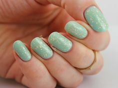 Spektor's Nails: Essie - Mint Candy Apple & OPI - Pure 18K White Gold & Silver Top Coat