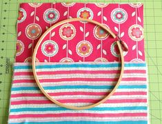 Learn how to make hoop organizers in minutes with this DIY tutorial. These organizers are perfect to tuck away your little things neatly and in style. You may use it to store you sewing or quilting supplies or anything else you wish. Easy Diy Gifts, Handmade Gifts, Yeast Biscuits, Fusible Interfacing, Diy Embroidery, Coordinating Colors, Love Sewing, Sewing Notions, Easy Diy Projects