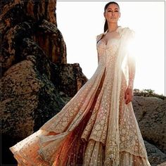 Nargis Fakhri in Tarun Tahiliani Couture.  #TarunTahiliani #Nargisfakhri #fashion #Couture #elleindia