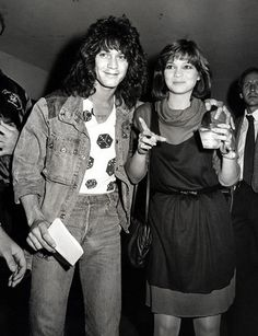 Eddie Van Halen and Valerie Bertinelli Eddy Van Halen, Celebrities Then And Now, Male Celebrities, David Lee Roth, Music Pics, Music Stuff, People Of Interest, Famous Couples, Old Love