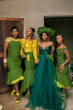 Bontle bride is a wedding magazine featuring weddings, tips, ideas and advice. Sesotho Traditional Dresses, African Traditional Wedding Dress, African Wedding Dress, Pakistani Wedding Dresses, African Attire, African Dress, Xhosa Attire, Seshweshwe Dresses, South African Weddings