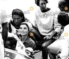 Jacqueline Kennedy Onassis, Kennedy, Jacqueline Kennedy Photo - Jacqueline Kennedy in Rome 8/12/1962 #2888 Ipol/Globe Photos, Inc. Jacquelinekennedyonassisretro