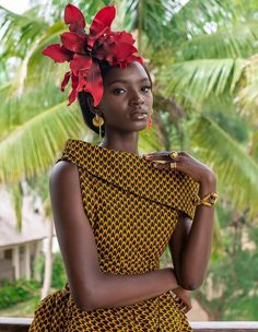 Vlisco classic fabric design is called Fish scale and is an example of african print desig… – African Fashion Dresses - 2019 Trends African Inspired Fashion, African Dresses For Women, African Print Dresses, African Print Fashion, Africa Fashion, African Attire, African Wear, African Fashion Dresses, African Women