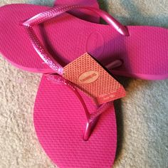 Brand new Havaianas!! NWT Hot pink Havaianas flip flops! So cute! Havaianas Shoes Sandals