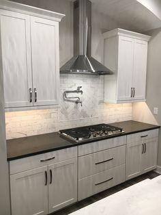 Black Countertops, Cabinets And Countertops, White Cabinets, Kitchen Cabinets, Home Decor Kitchen, New Kitchen, Kitchen Ideas, Condo Kitchen, Kitchen Paint