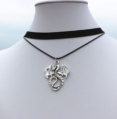 New 2016 Bijoux Tattoo Choker Collier Vintage Dragon Anime Necklace For Women Jewelry Accessories One Direction Exo Girl Anime Necklace, Dragon Necklace, Dragon Jewelry, Cute Jewelry, Jewelry Accessories, Women Jewelry, Fashion Jewelry, Jewelry Design, Vintage Accessories