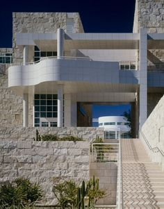 Image 8 of 15 from gallery of AD Classics: AD Classics: Getty Center / Richard Meier & Partners. Photograph by richard meier & partners architects ©scott frances esto Richard Meier, Contemporary Architecture, Amazing Architecture, Art And Architecture, Architecture Details, Classical Architecture, Richard Rogers, Los Angeles Travel Guide, Getty Center