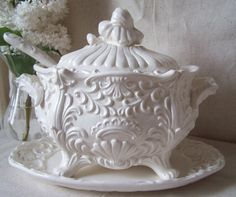white signed numbered footed Cottage Farmhouse French Country Vintage Lefton Tureen Cottage Farmhouse French Country Always wanted to be able to knit, nevertheless unsure the place t. Shabby Chic Farmhouse, Cottage Farmhouse, White Dinnerware, White Dishes, Christmas Mood, French Country Decorating, Or Antique, Kitchen Items, Beautiful Kitchens