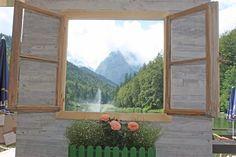 Photobooth - Fenster zum See - Vintage-Hochzeit im Sommer im Riessersee Hotel Garmisch-Partenkirchen, Bayern - Vintage wedding in Germany, Bavaria, lake & mountains