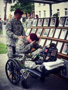 "soldierporn: ""Remember the Fallen. Army Colonel Charles Preysler, the commander of the Airborne Brigade Combat Team, and Specialist Blackmon pay their respects during the combat team's. Military Love, Military Service, Military Honors, My Champion, Support Our Troops, Real Hero, American Soldiers, American Pride, American Flag"