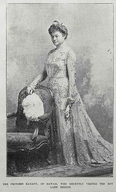 Princess Elizabeth Kahanu Kaleiwohi-Ka'auwai Kalaniana'ole. Woods(1879–1932) was the wife ofPrince Jonah Kūhiō Kalaniana'ole Pi'ikoi(1871–1922).