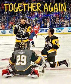 Tanger looks as if he is proposing to Sid 😂😂 I'm pretty sure Kris' wife won't take kindly to that! Hockey Girls, Hockey Mom, Hockey Stuff, Hockey Rules, Boys, Flyers Hockey, Hockey Teams, Sports Teams, Pittsburgh Sports