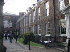 Old-Entrance-to-Kensington.jpg (3264×2448)