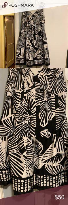 32fd78a6de8 Kay Unger white black flower print dress