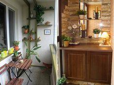 Cooler kleiner Balkon – 40 kreative und praktische Ideen - terrasse balkon winzig kompakt idee schrank regal tisch pflanzen