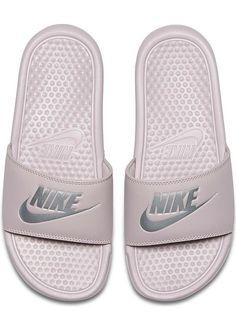 f00381aca Nike Benassi
