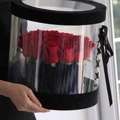 Faux Flowers, Fresh Flowers, Pretty Flowers, Flower Box Gift, Flower Boxes, Beautiful Flower Arrangements, Floral Arrangements, Bouquet Box, Photos Booth