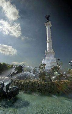 Le fontaine de Place des Quincones