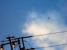 空と飛行機と電柱()ノ  #電柱写真クラブ #wwwdc by basic1420