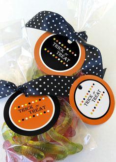 DIY printable Halloween favor gift tags, Trick or treat Halloween printables