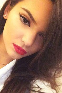 Kendall Jenner  Instagram -Cosmopolitan.com
