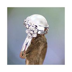 Sterling Silver 'Bridal Moon' Cultured Pearl Ring (12 mm) (Indonesia)